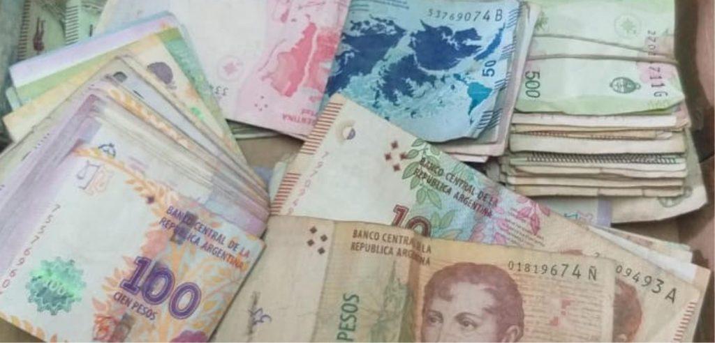 foto pesos argentinos